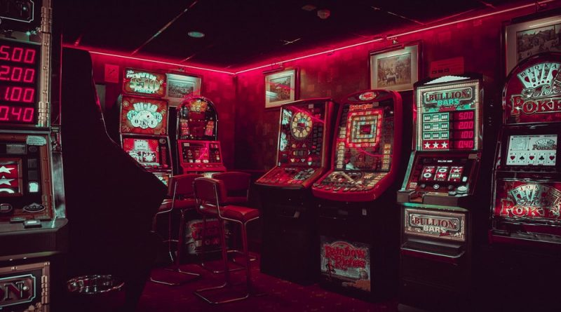 What makes online gambling different from offline gambling?